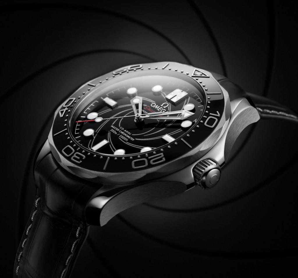 Replica Omega Seamaster Diver 300M James Bond Platino Oro